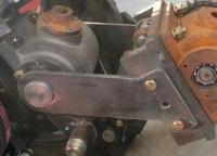 Промежуточный редуктор с навесным механизмом DW120 / DW120B